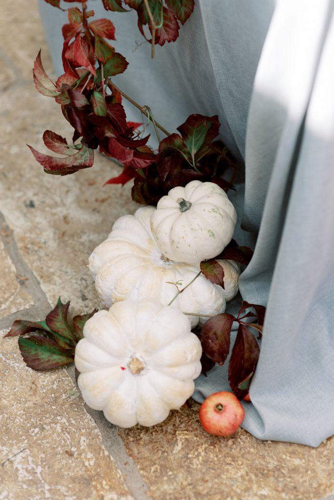 allestimento floreale e zucche